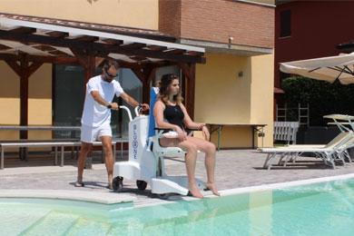Elévateurs de piscine mobiles sur batteries Élévateur BluOne