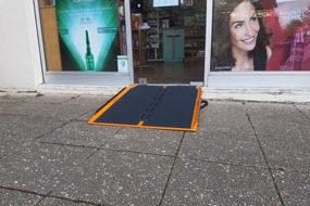Rampes ERP pour franchissement de seuils et trottoirs