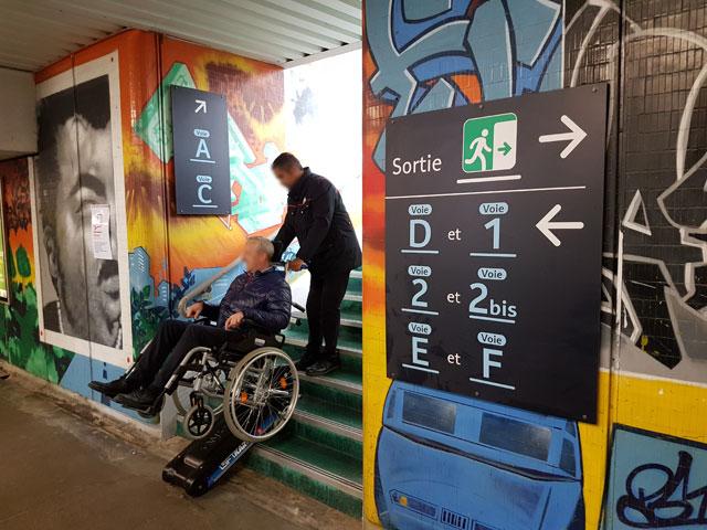 Accès des pmr et handicapés dans les gares françaises