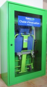 armoire-de-rangement-chaise-evacuation