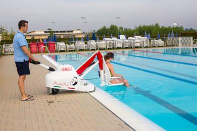 Elévateurs de piscine mobiles sur batteries Élévateur Panda Pool