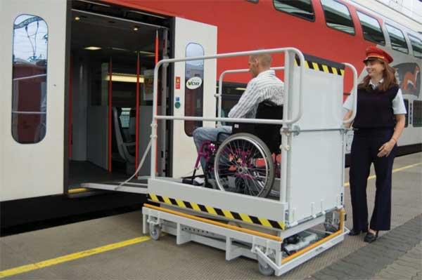 Elévateur mobile pour accès au train pour personne handicapée - Modèle Pegase