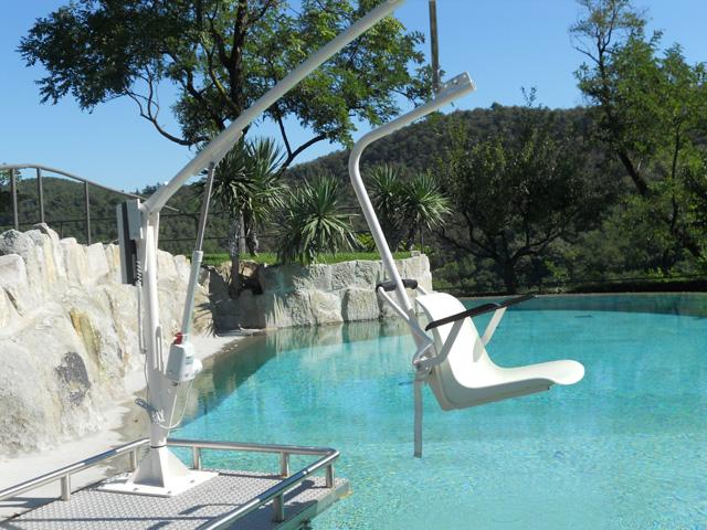 Élévateur de piscine fixe F145 pour handicapés et pmr