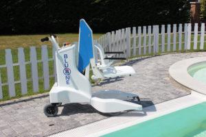 Élévateur de piscine Bluone pour la mise à l'eau de pmr et handicapés