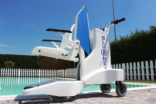 Élévateur de piscine Bluone pour handicapé et pmr