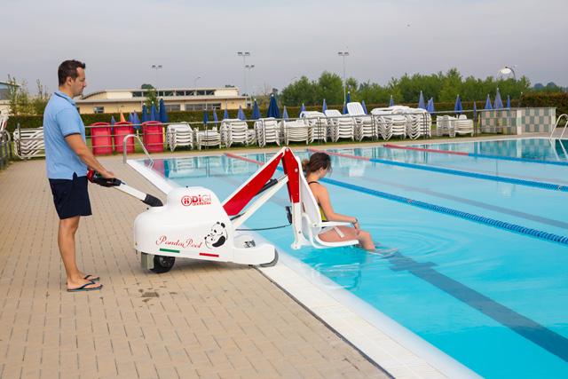 Elévateur de piscine pour mise à l'eau de pmr