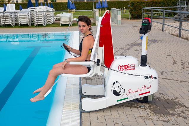 Elévateur de piscine autonome pour handicapés et pmr