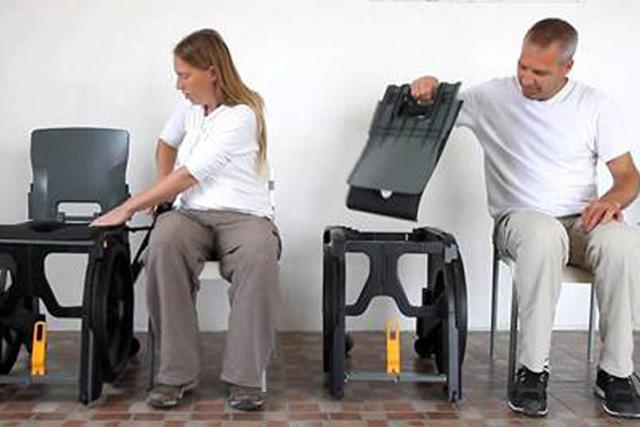 Montage et démontage rapide du fauteuil d'aisance pliant wheelable