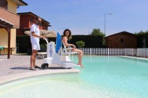 Élévateur de piscine sur batterie Bluone