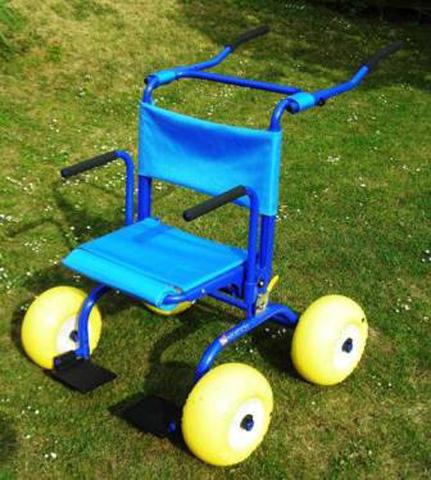 JOB walker en position fauteuil roulant tout terrain
