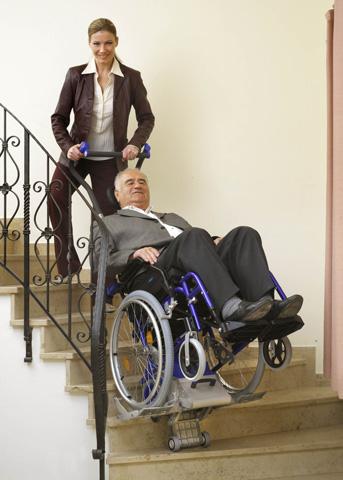 Monte escaliers lifkar pt uni 130 et 160 adaptables à tous les fauteuils roulants