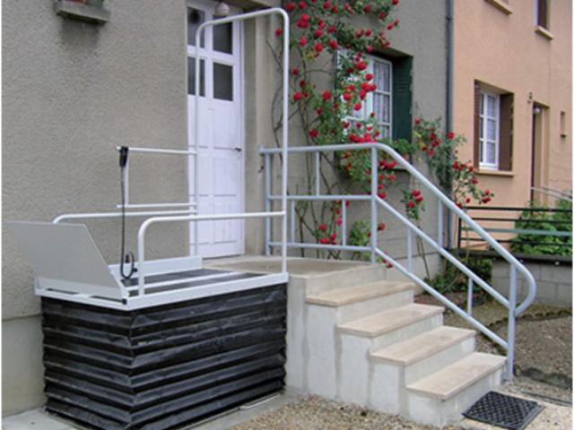 Plateforme élévatrice d'extérieur pour accès handicapé et pmr