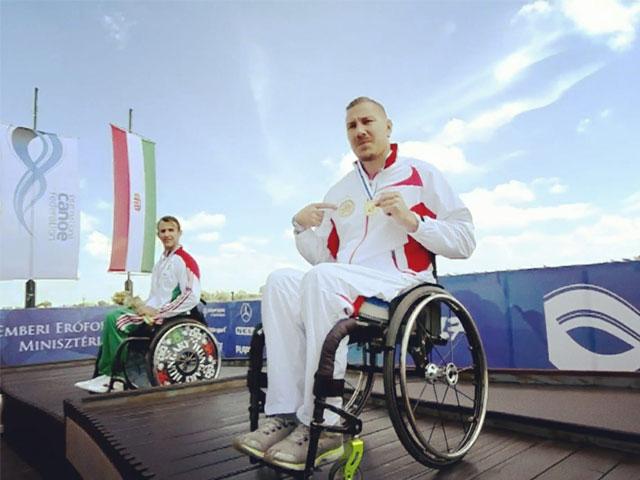 Rémy Boullé médaillé d'or au championnat du monde de paracanoë