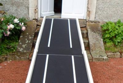 Simple rampe d'accès handicapé